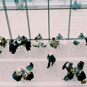¿Se consideran las pausas en el trabajo tiempo efectivo laboral?