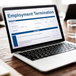 La puesta a disposición simultánea de la indemnización por despido