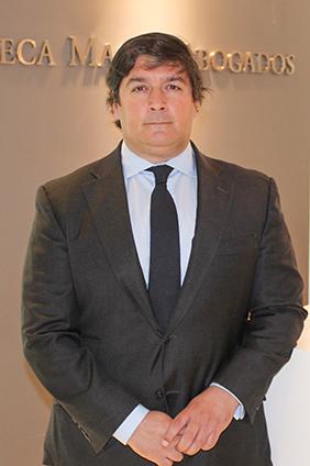 jose ramon lora abogado del área mercantil y M&A