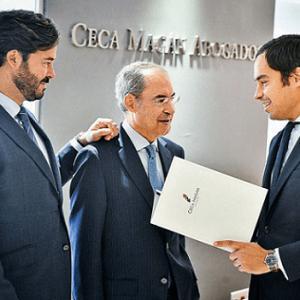 El relevo generacional en los despachos de abogados: el caso de Ceca Magán