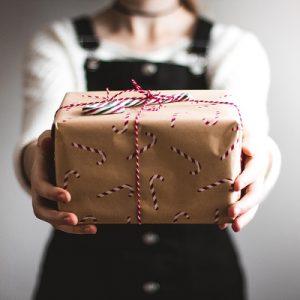 ¿Puede una empresa dejar de entregar la cesta de navidad a sus empleados?